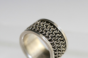 Chainmail spinner ring