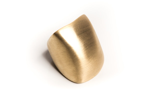 Slow dome ring in 18 karat yellow gold
